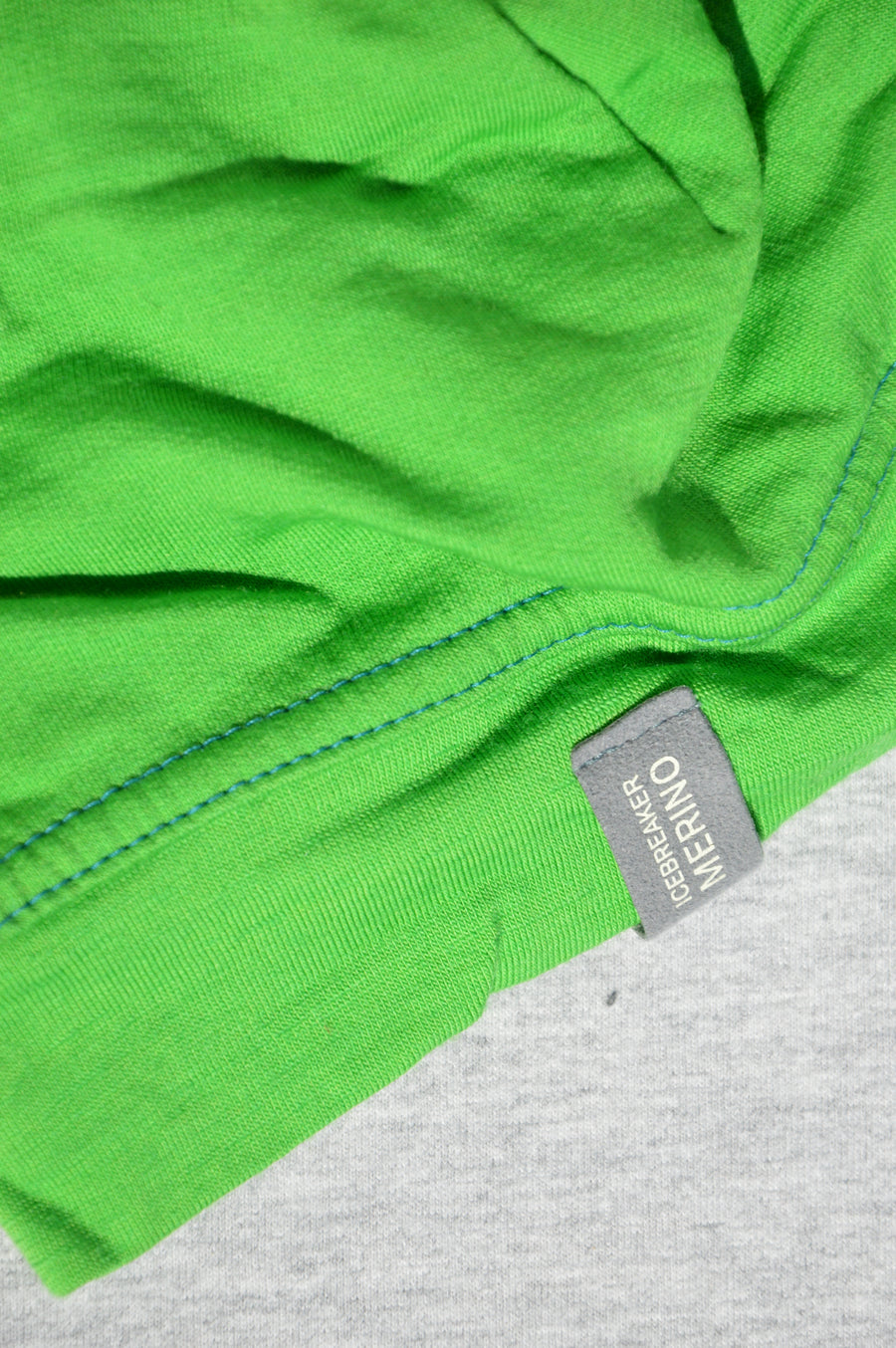 Icebreaker - nearly new - bright green merino beanie, size M (5-7y)