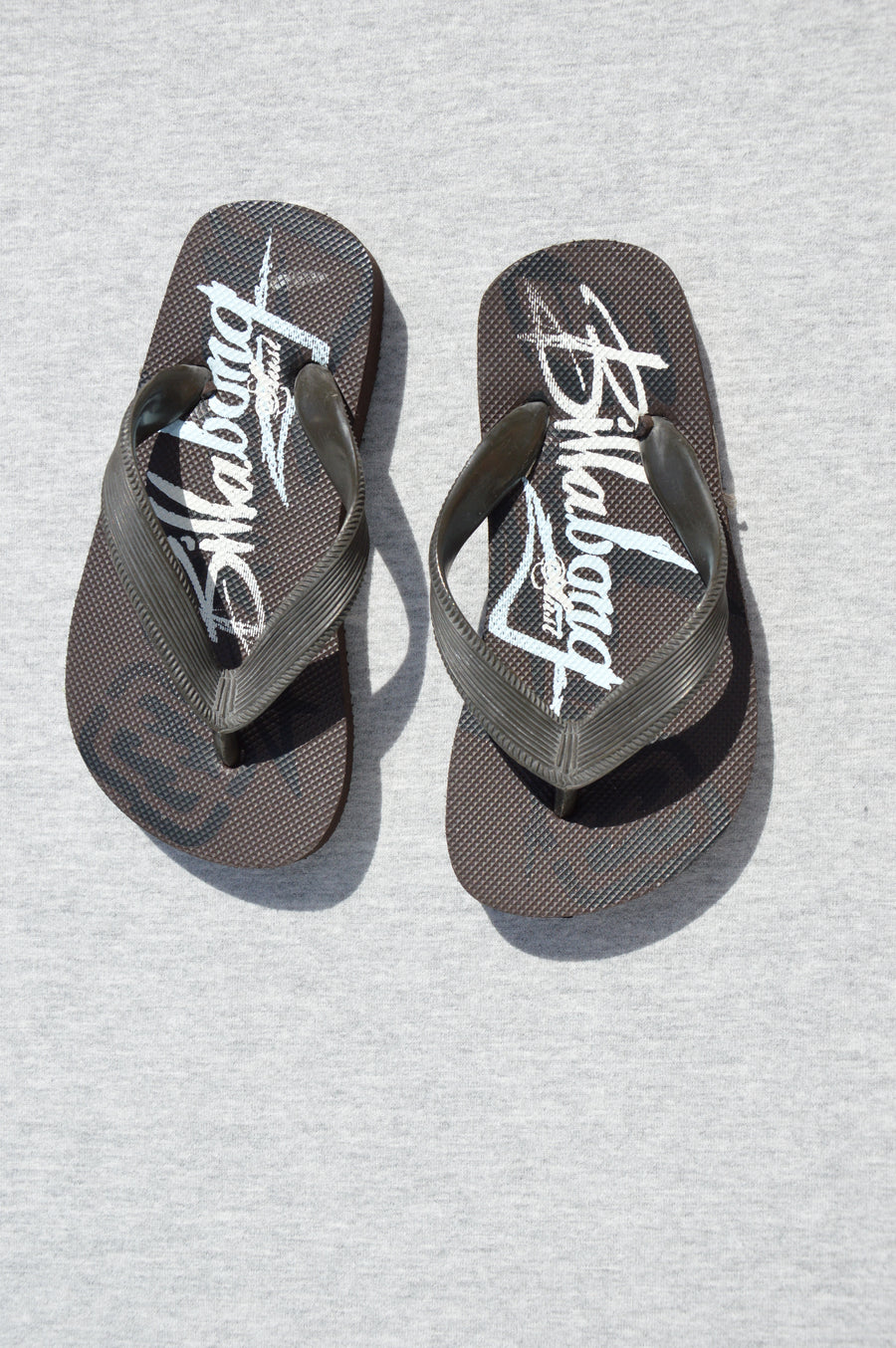 Billabong - brand new - brown & white jandals, size NZ 7