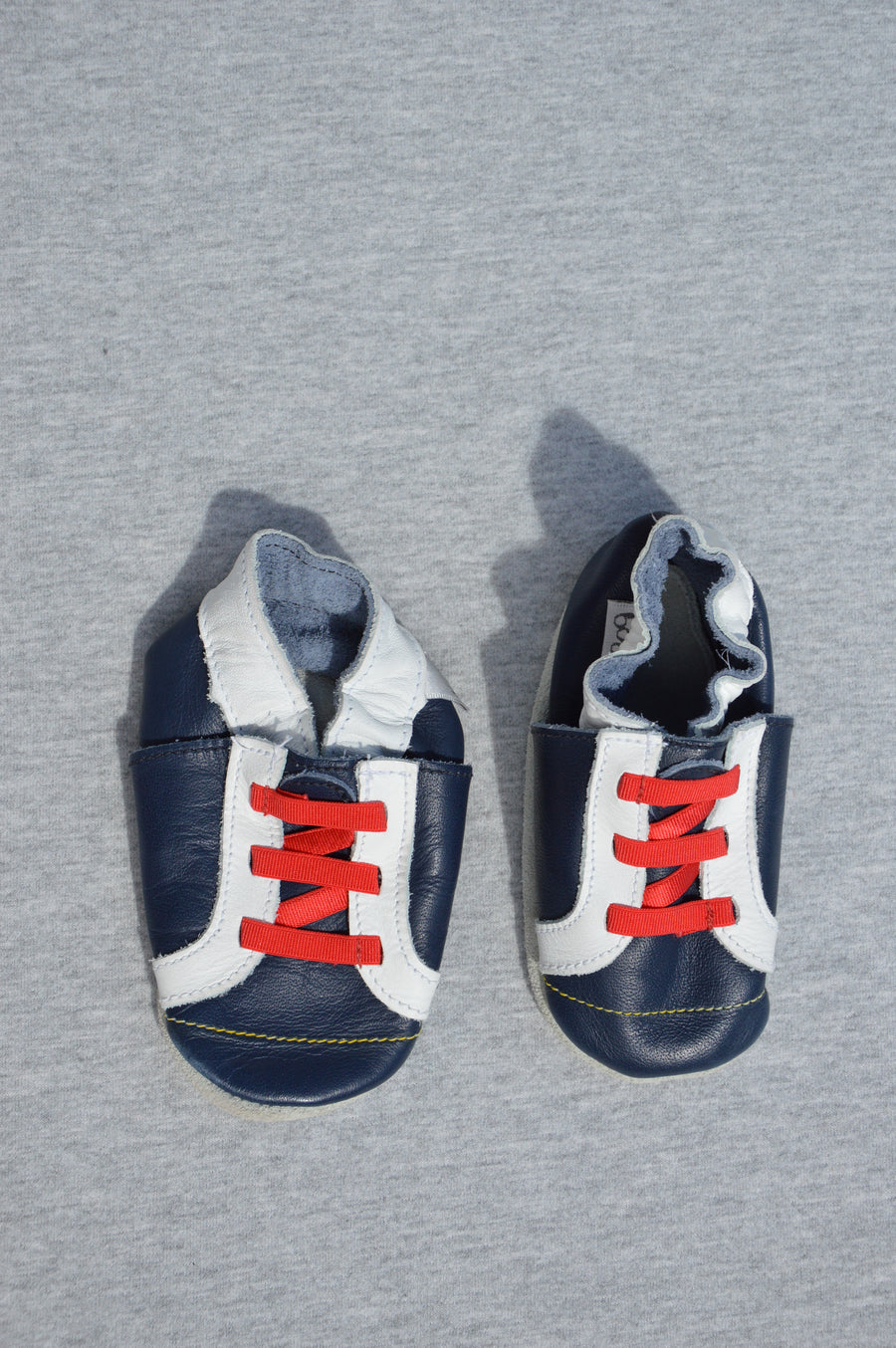 Bobux - nearly new - navy & white pre-walk sneakers, size NZ 0.5/1 (S)