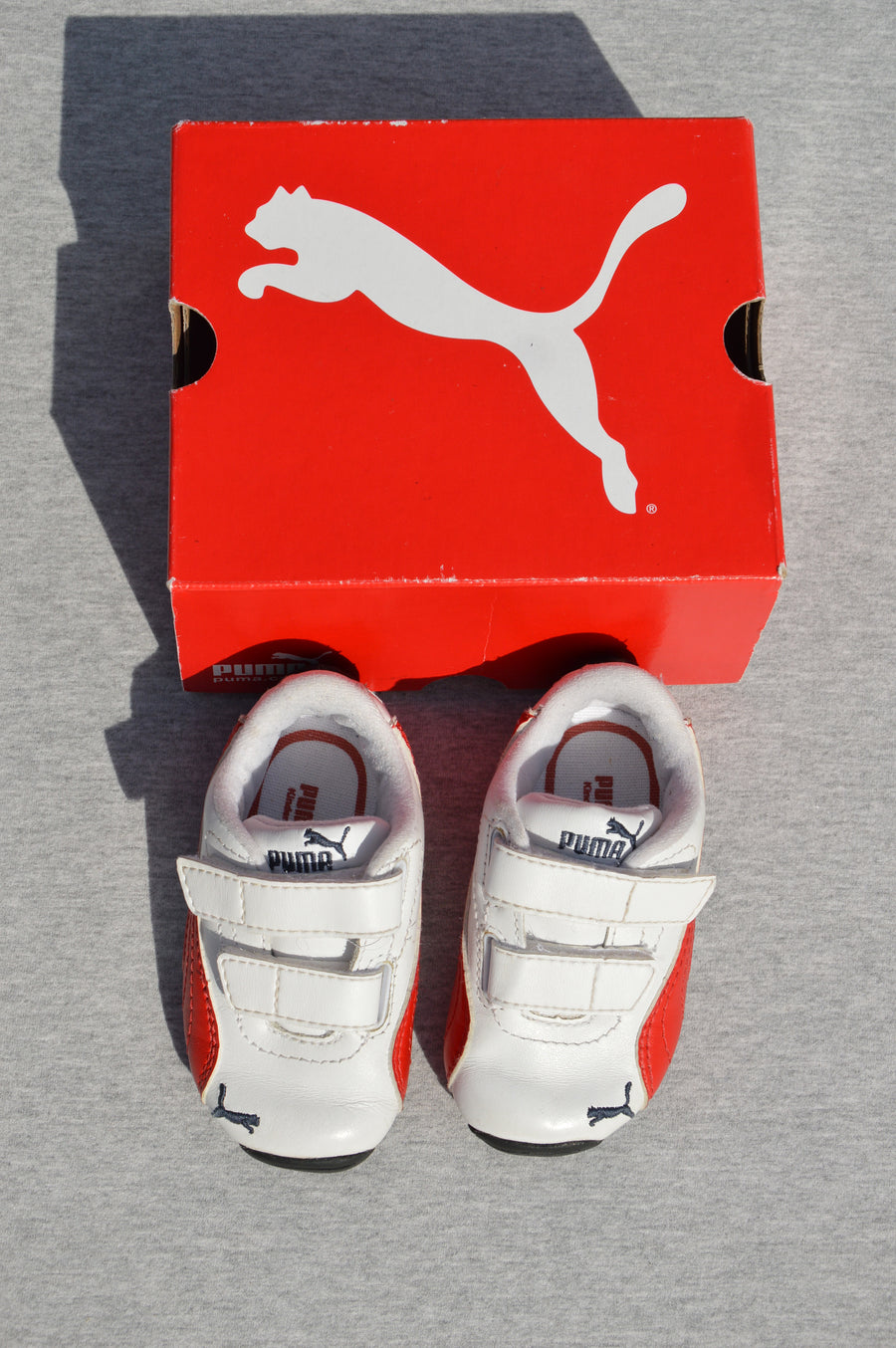 Puma - brand new - white & red trainers (Drift Cat II), size NZ 3
