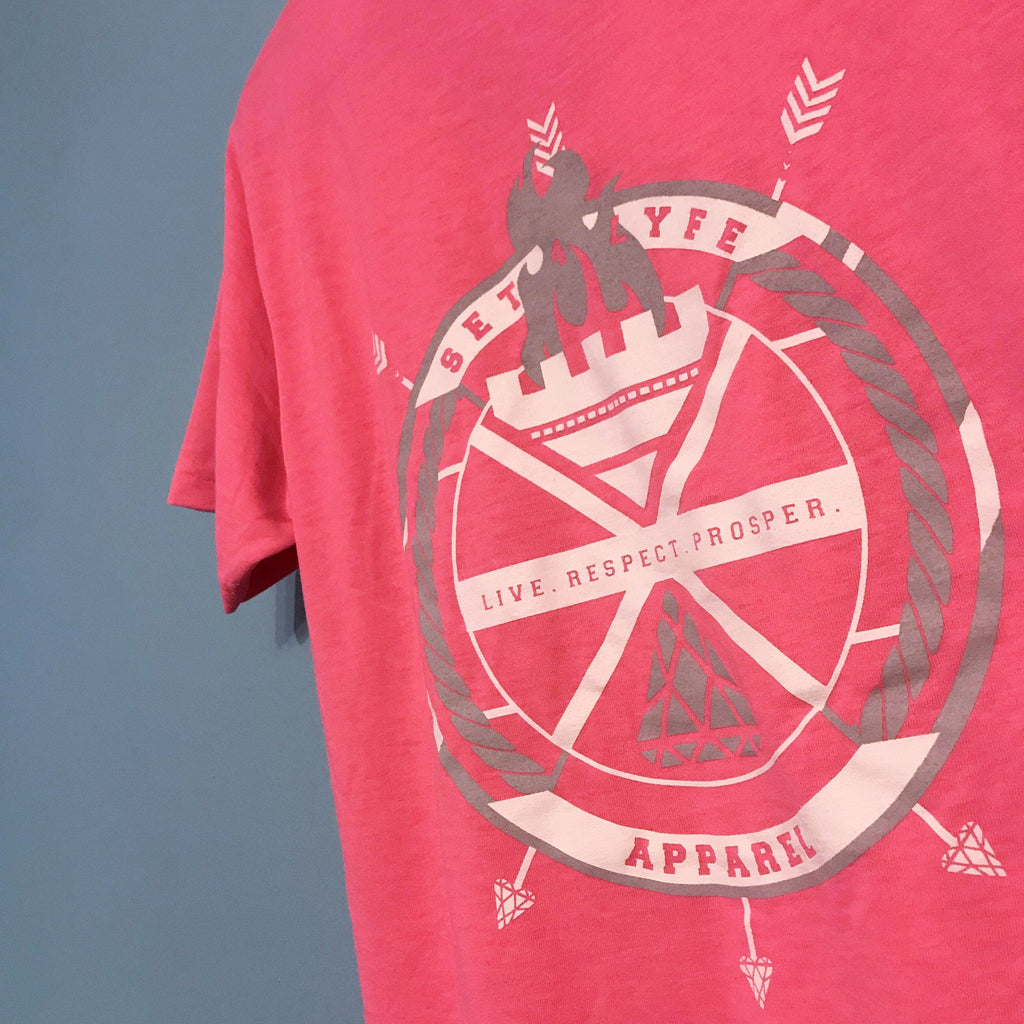 CREST NEON PINK V-NECK T (Clearance)