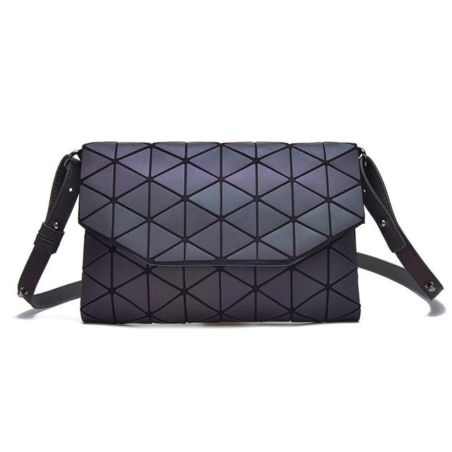 GEO LUMO LIGHT REACTIVE SHOULDERBAG