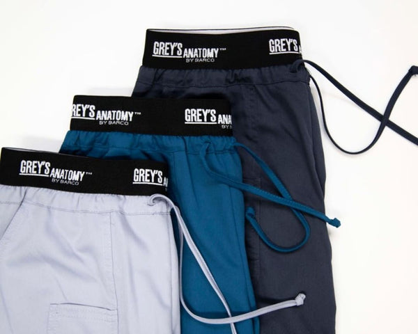 Grey's Anatomy Logo Waist 3 Pocket Active Scrub Pant (In Petite)