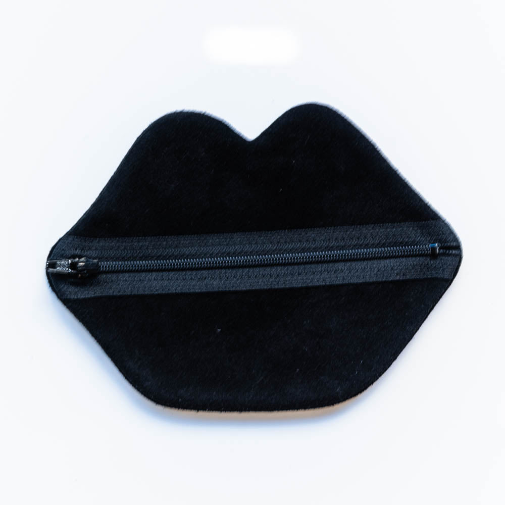 BESOS POUCH
