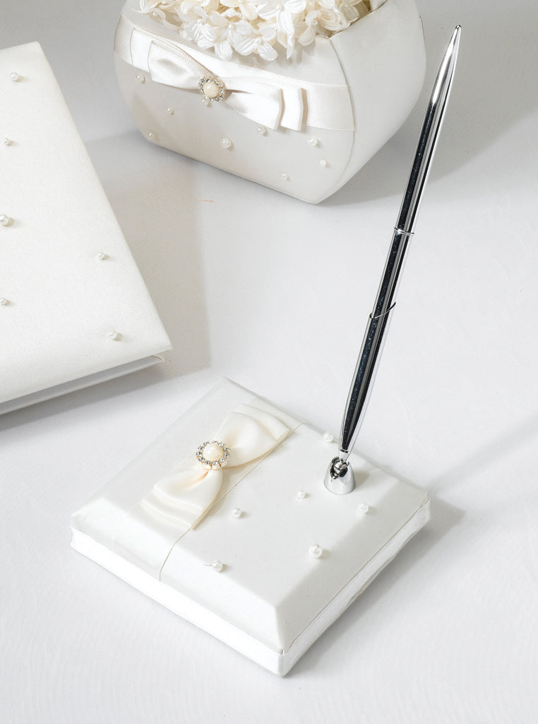 Ivory Scattered Pearl Pen Set