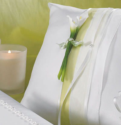 Bridal Beauty Calla Lily Ring Pillow