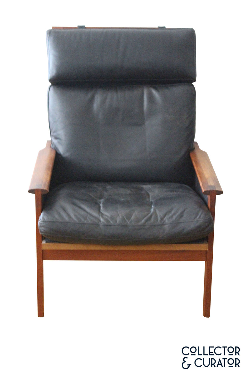 Illum Wikkelsø high back Capella lounge chair by Illum Wikkelso in 1959 and manufactured in Denmark by Niels Eilersen