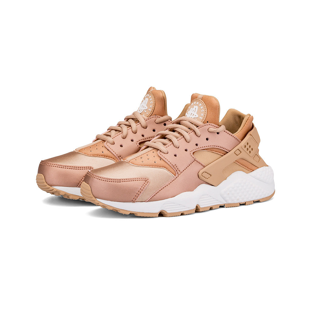 c780caa52f871 ... hot nike w air huarache run se metallic red bronze elm amongst few  8f84d 104bf
