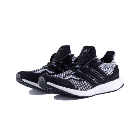 adidas - Utraboost 5.0 DNA (Core Black/Core Black/Cloud White)