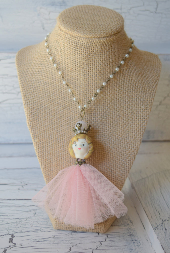 Shabby Girl Necklace