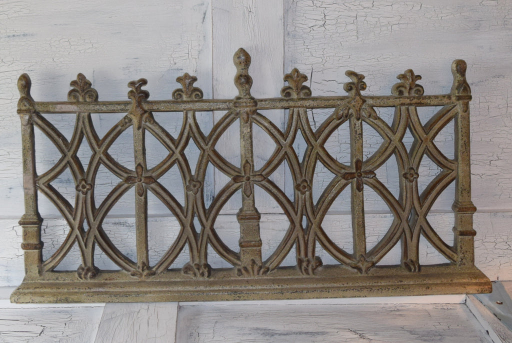 Unique Shabby Trellis