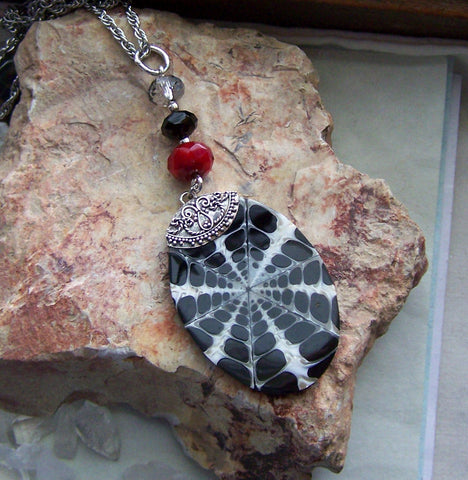 Black and White Inlaid Fossil Shell Pendant Necklace