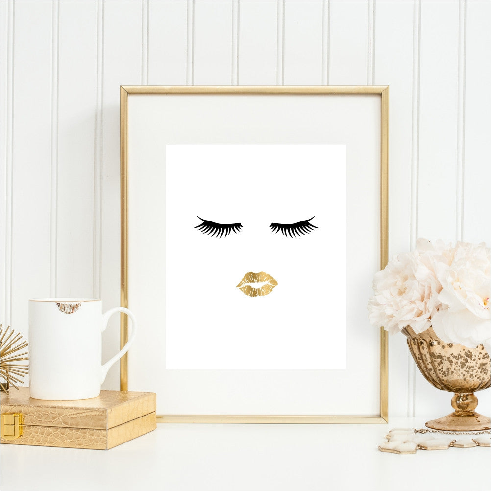 Fashion Wall Art Face and Gold Lips