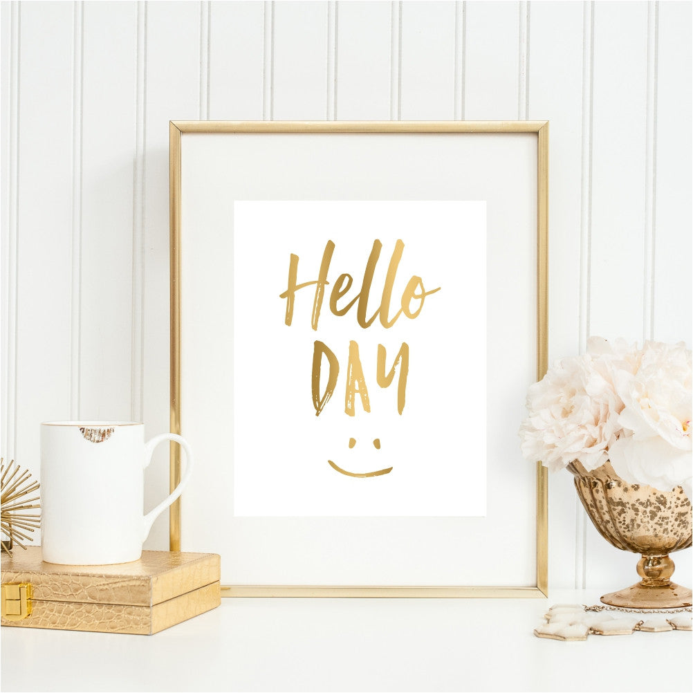 Hello Day Smiley Face Wall Art