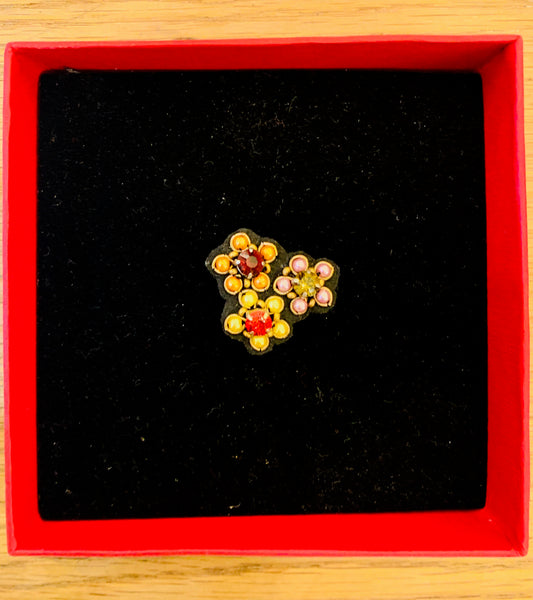 My Bob - Flower Brooch - ouimillie