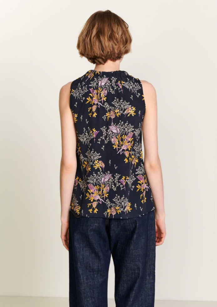 Bellerose - Huff Top: Navy Floral - ouimillie