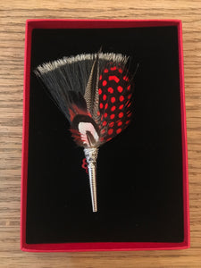 My Bob- Feather Brush Brooch Reds - ouimillie