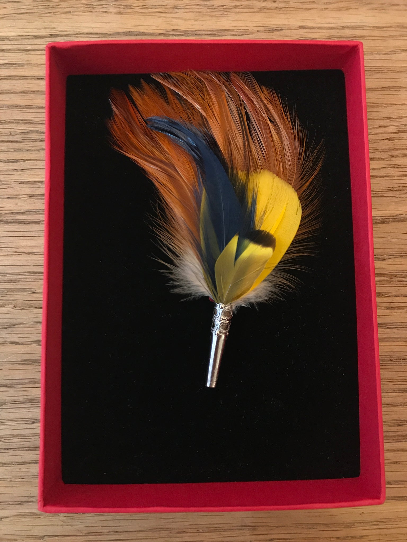 My Bob- Feather Loose Brooch Yellow & Orange - ouimillie