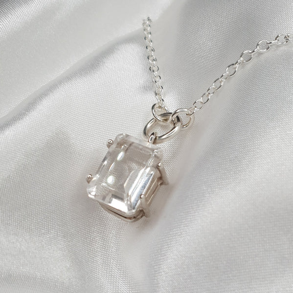 Signature Stone Mini Quartz Necklace
