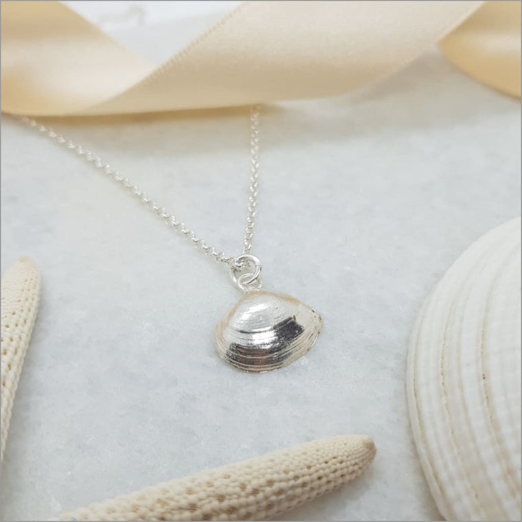 ITP Signature Clam Shell Necklace