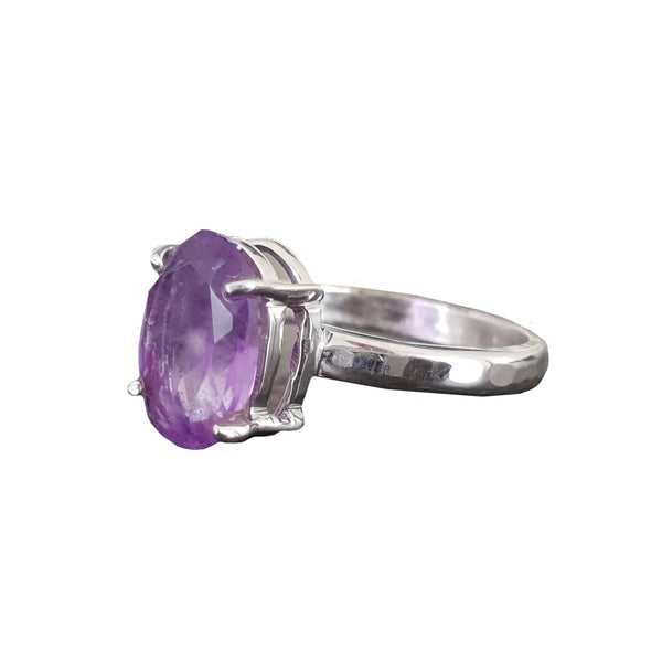 Signature Stone Oval Amethyst Ring