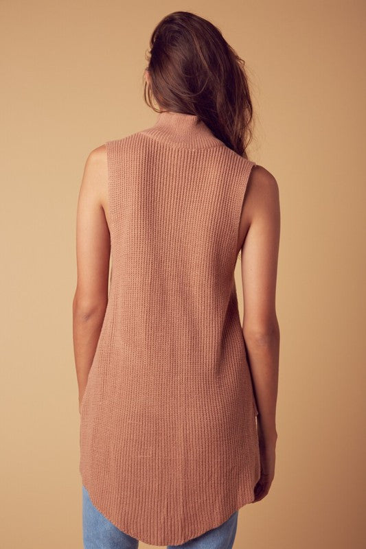 Mock Neck High low Sleeveless Sweater Top in Rust