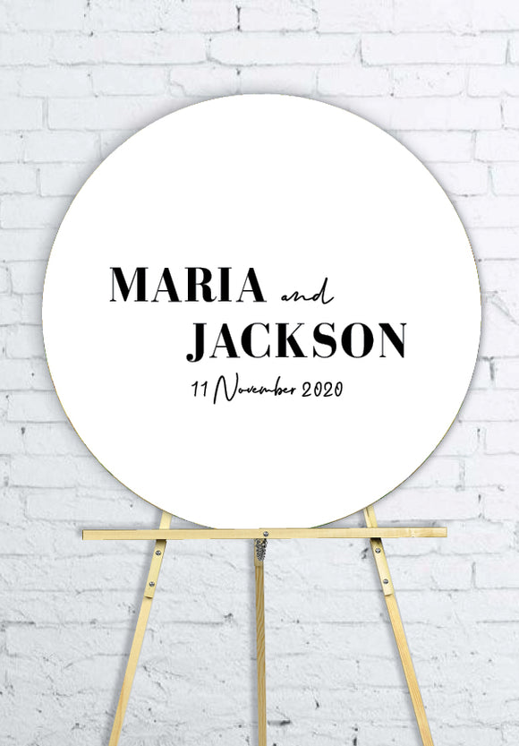 white-round-wedding-welcome-sign