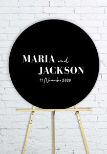 black-round-wedding-welcome-sign