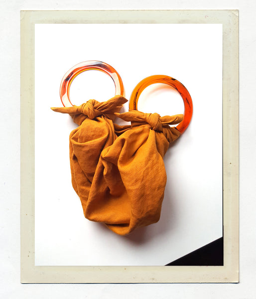 ANOUK GANIA LINEN POUCH BAG WITH RESIN HANDLE - OCHRE