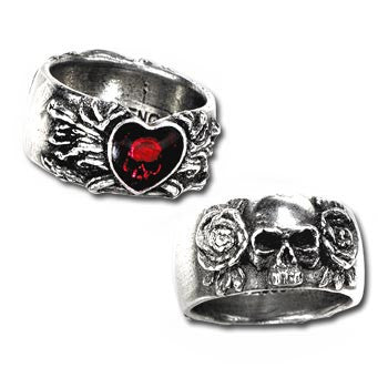 Broken Hearted Gothic Heart Pewter Ring