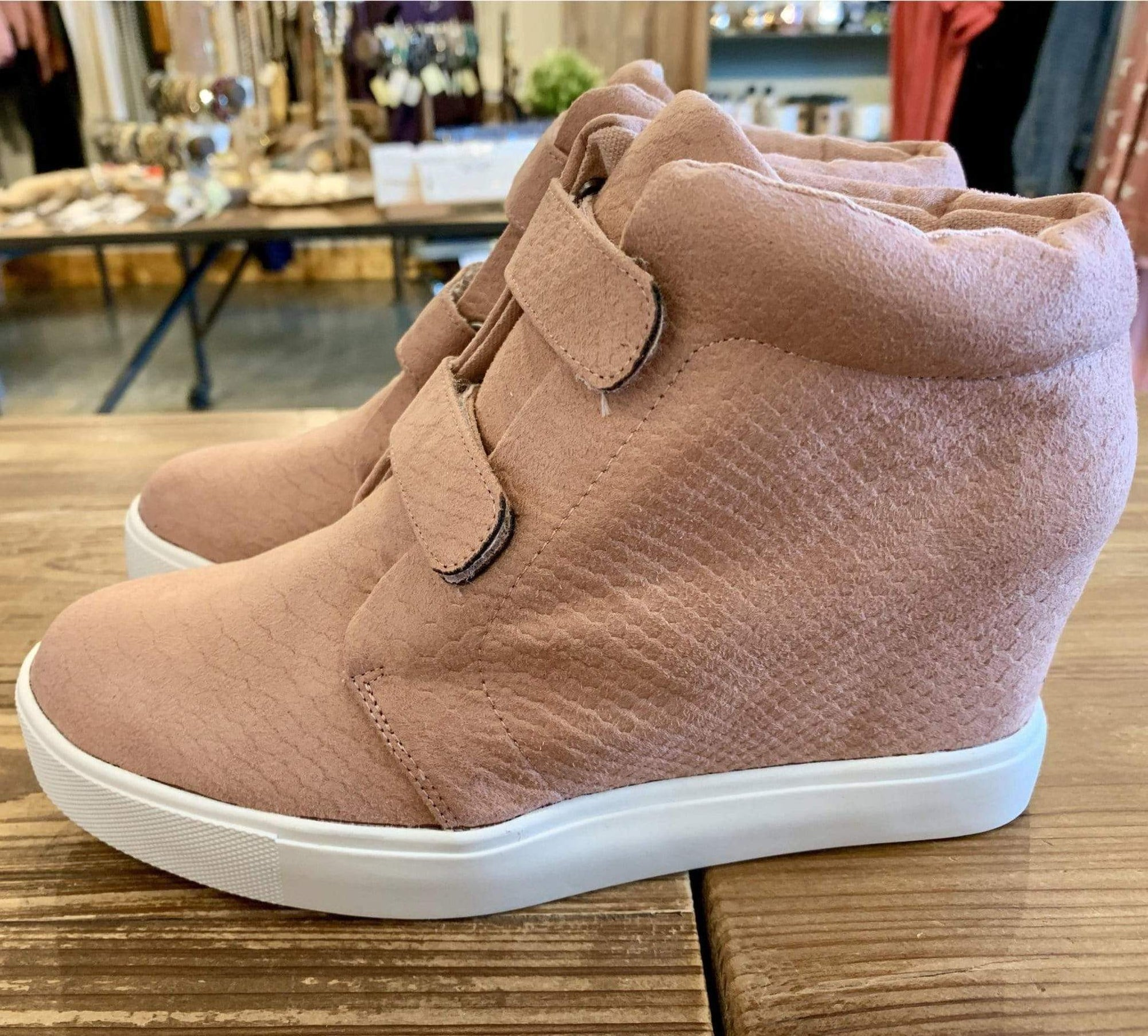Timberwolf Sneaker - Pink - Brave Boutique