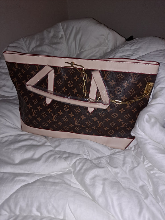 Facebook post XL LV bag