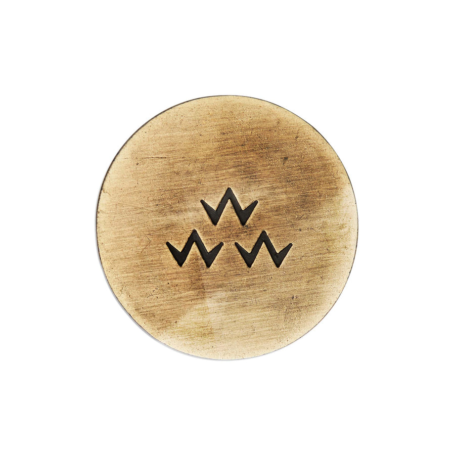 birds-of-condor-bent-grass-brass-golf-ball-mark-front