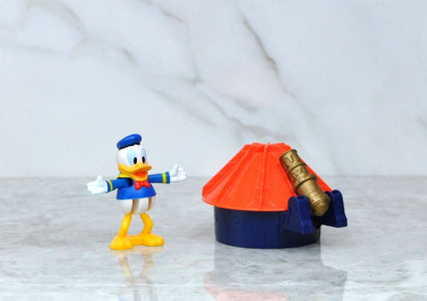 Vintage Blockbuster Exclusive Walt Disney Donald Duck And Blue Castle Toy 1996