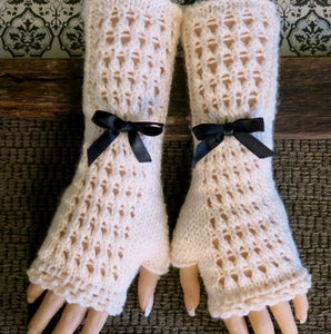Lace-Burlesque-Gloves-Nchanted-Gifts