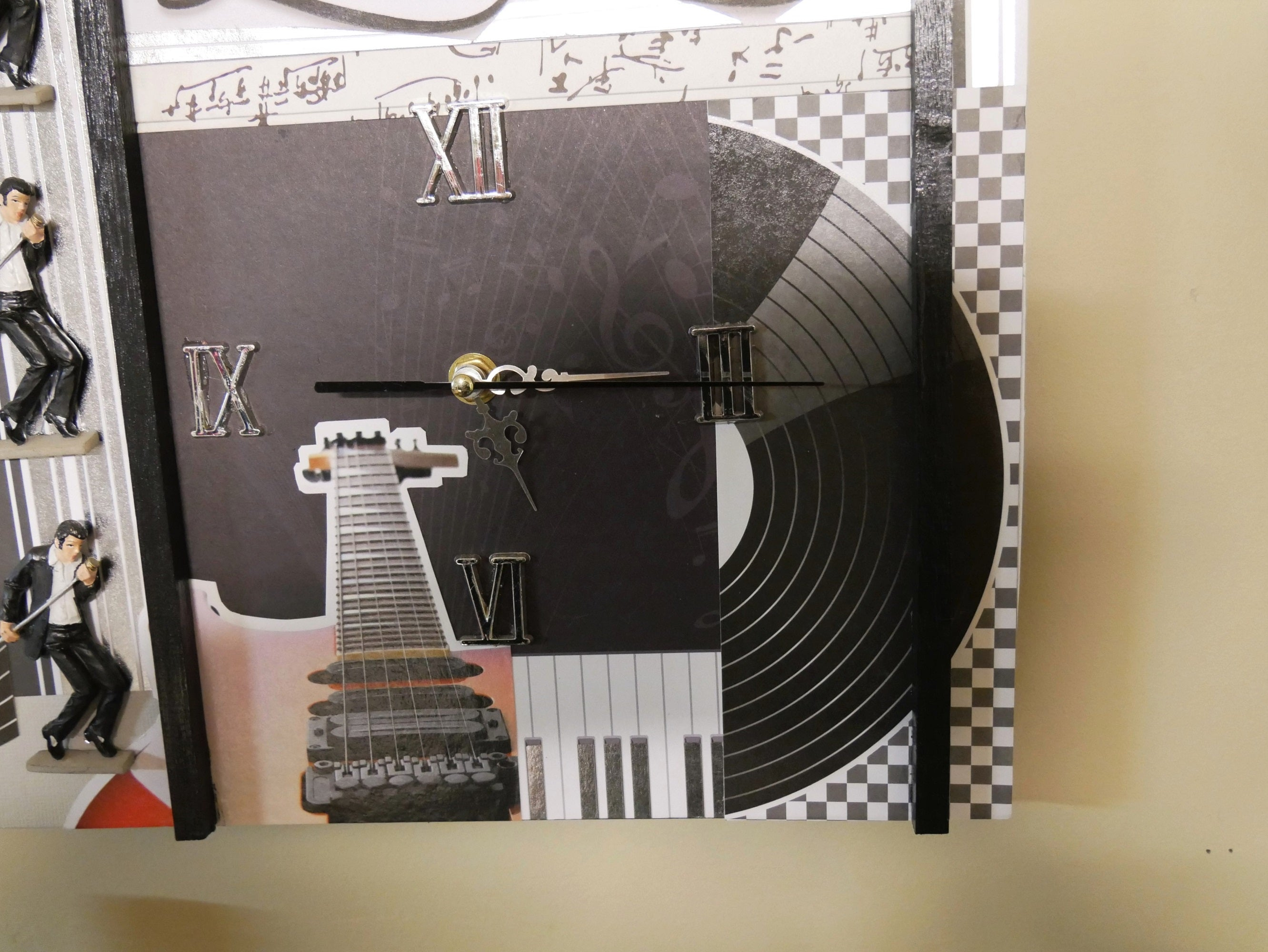 Music-Theme-Wall-Clock-Nchanted-Gifts