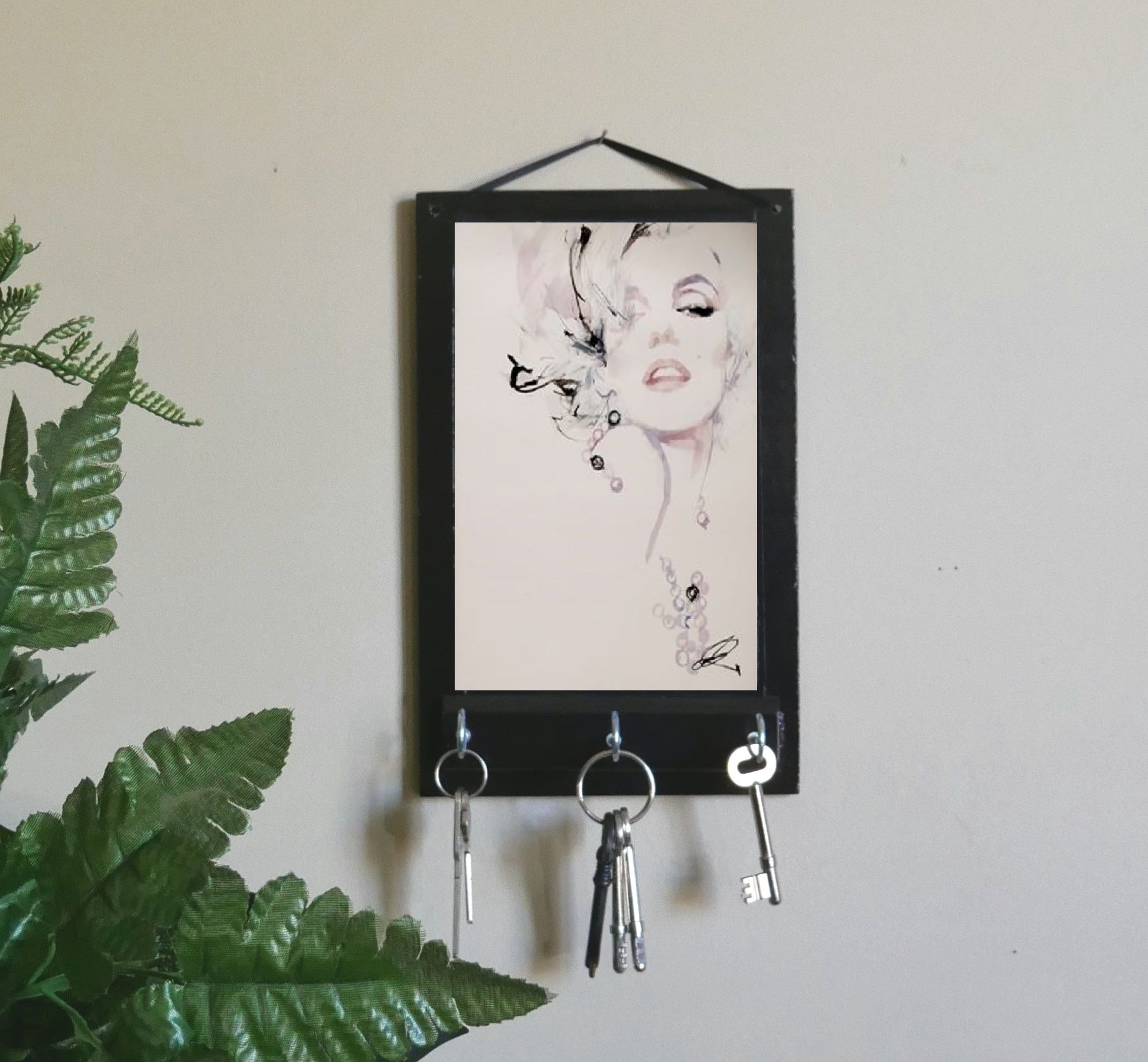 Marilyn-Monroe-Key-Holder-Nchanted-Gifts
