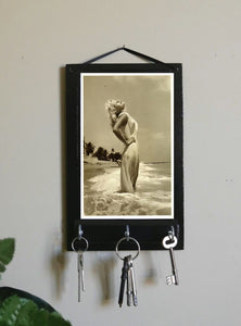 Marilyn-Monroe-Jewelry-Holder-Nchanted-Gifts