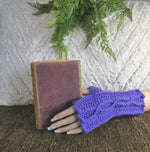 Load image into Gallery viewer, Handmade Fingerless Gloves In Mauve