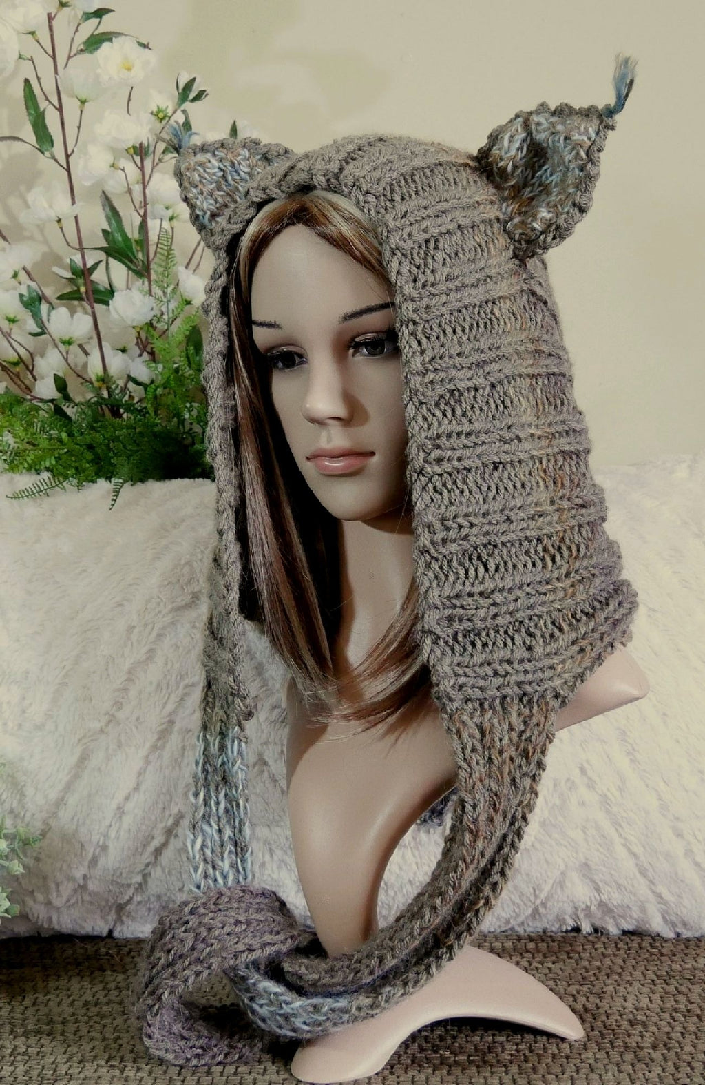 Cheshire-Cat-Knitted-Hood-Nchanted-Gifts