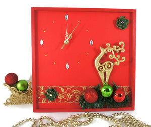 Reindeer-Christmas-Wall-Clock-Nchanted-Gifts