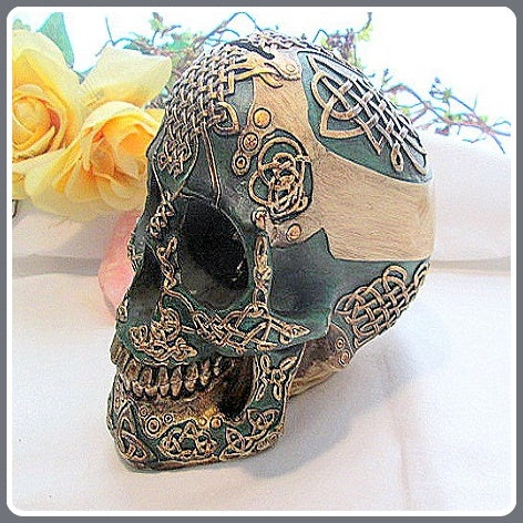 Celtic Green Skull Bank