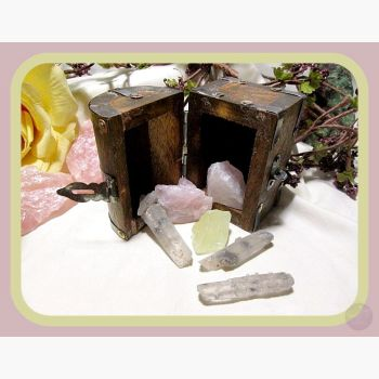 Prophecy Of Love Chest Stone Sets Mystical Moons