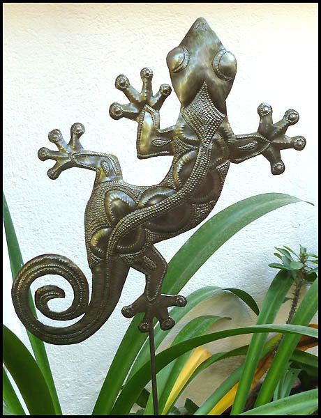 Gecko Plant Stick - Haitian Steel Drum, Yard Decor,  Outdoor Metal Garden Decor - 14""