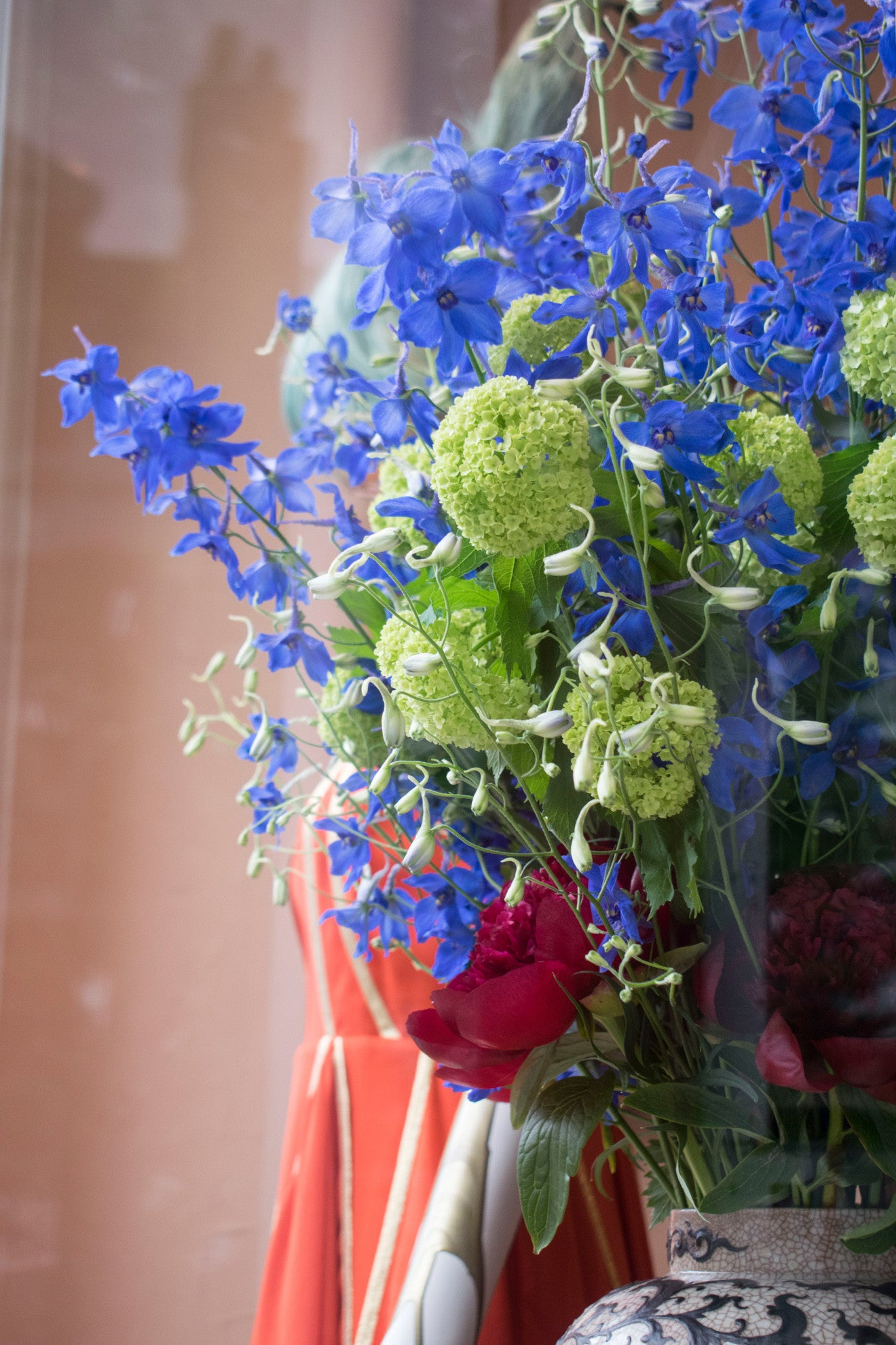 Blue flowers on display at Timothy Langston Pimlico Road