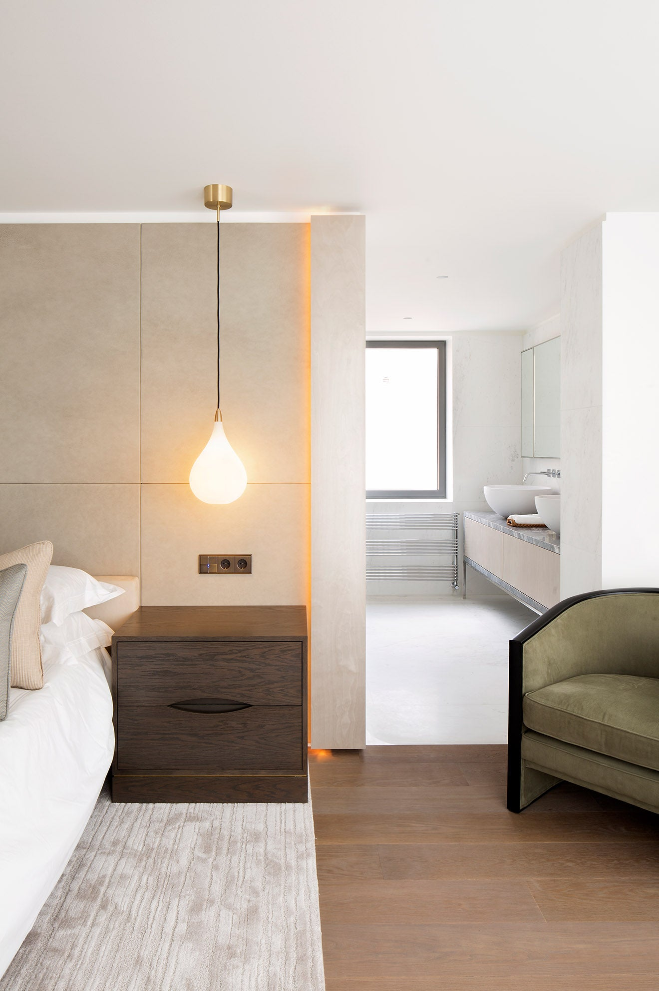 Luxuey bedroom detail in this modern house in Istanbul designed by 1508