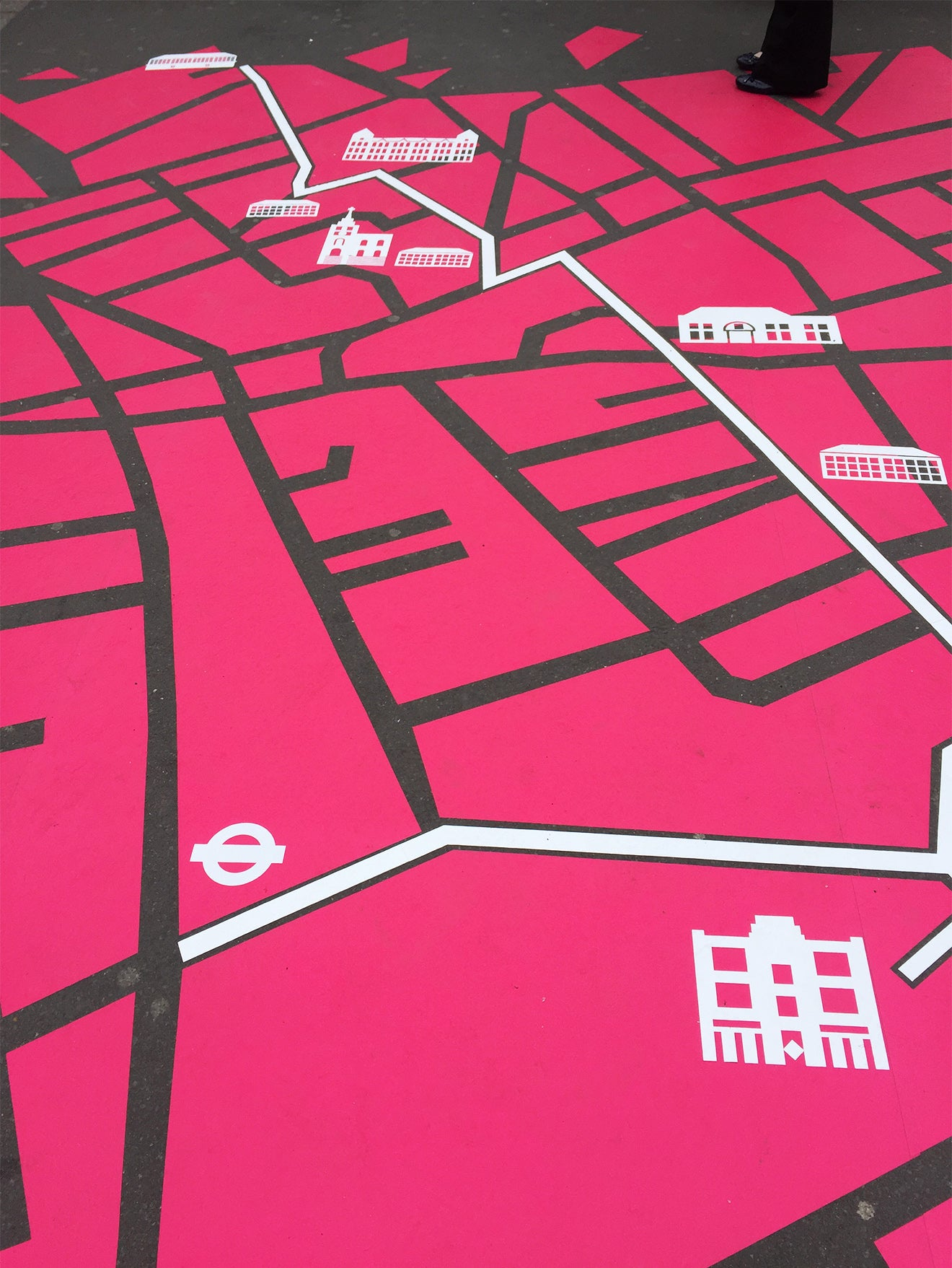 pink map infographic for Clerkenwell Design Week