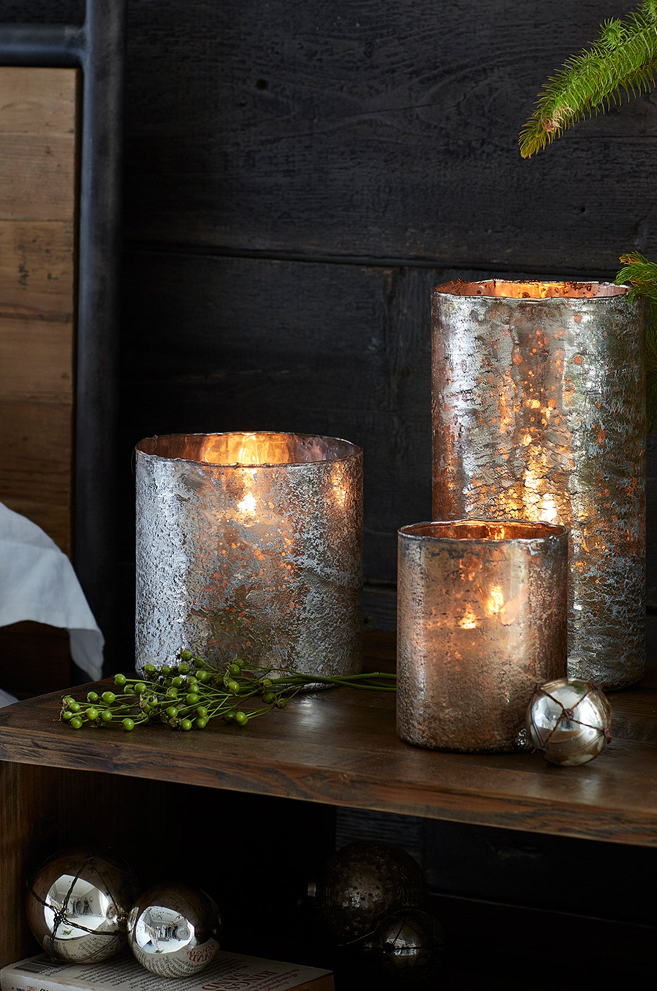 Lombok cracked gold texture candle holders for the Winter season