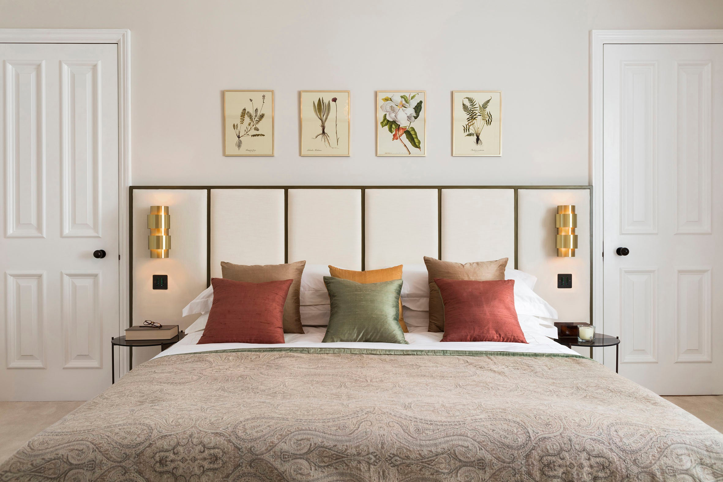 Echlin Studio Leverton House Luxury Residence Master Bedroom