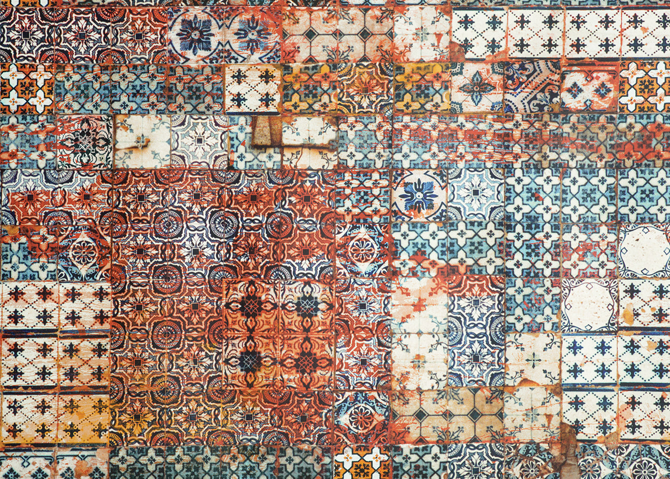 Gaultier Industrial rusted tile wallpaper